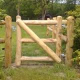 Kastanjehout rondhout poort H100 x B100cm
