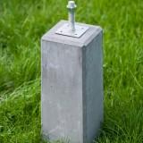 Betonpoer 40cm 18x18 cm met paalhouder 10x10 cm